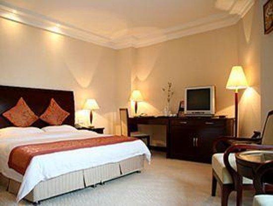 Hollyear Hotel