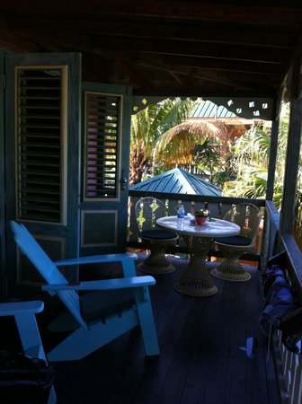 Country Country Beach Cottages: Balcony