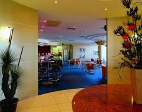 Shoreline Hotel Photo