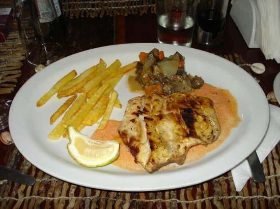 Nordin's Lodge: Sawfish Filet - Casa de Comer Restaurant