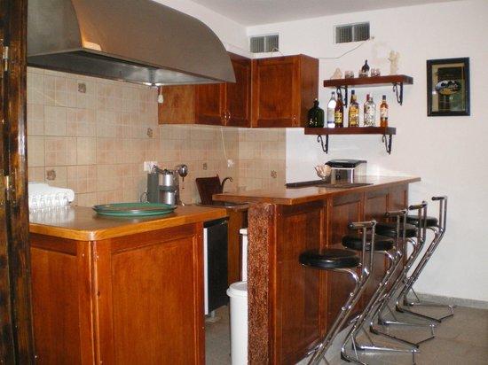 Stasi Kafeneion: Inside