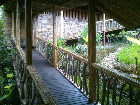 Centro Bajo Hotel & Resto : Corridor..