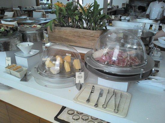Cape Nidhra Hotel: Frühstück