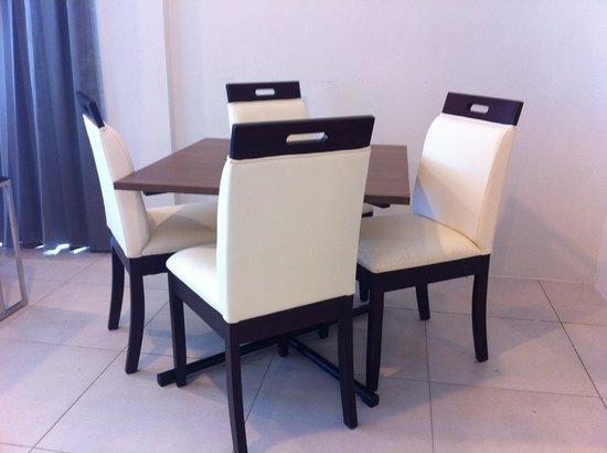 Century Langkasuka Resort: dining table in Premier Suite