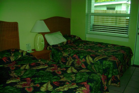 Harborside Motel & Marina: 2 full beds