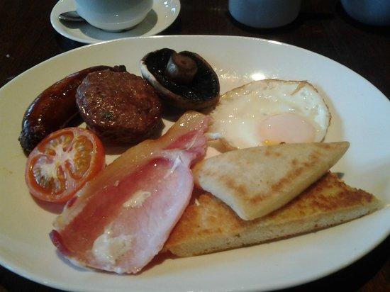 Benedicts of Belfast: Full Irish Breakfast