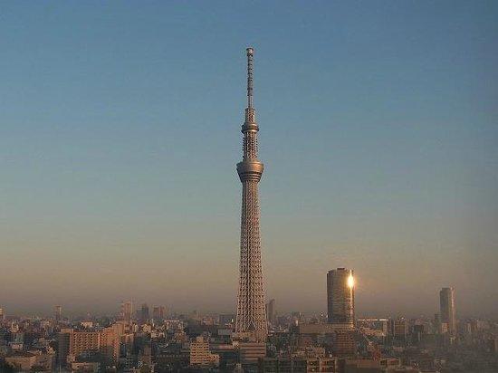 Tobu Hotel Levant Tokyo: 朝、ホテルから見たスカイツリーです