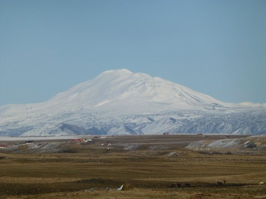 Guesthouse at Hestheimar: Hekla seen from Hestheimar