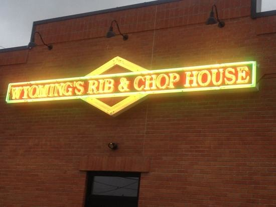 Wyoming's Rib & Chop House: Great bbq sauces