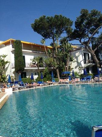 Ischia Porto, Italia: la piscina principale