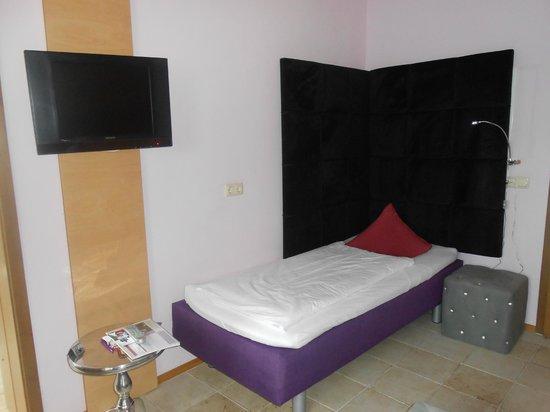 Hotel Fantasia: Extra bed