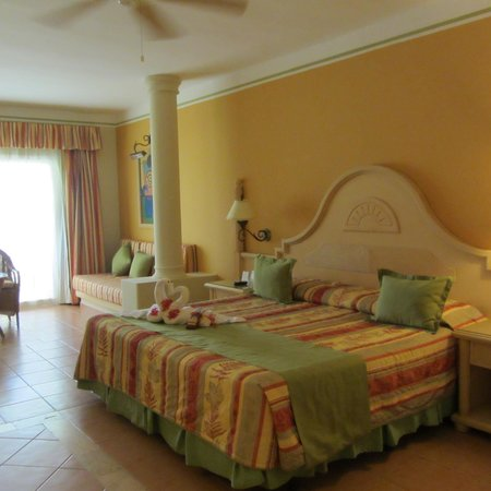 Grand Bahia Principe El Portillo: Room 5601 - Golden Club