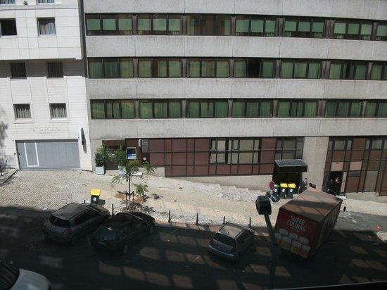 Ibis Lisboa Liberdade: vista da rua
