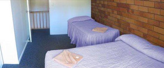 Whiteoaks Motel & Lodge