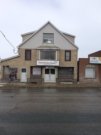Timmins Hotel: Front