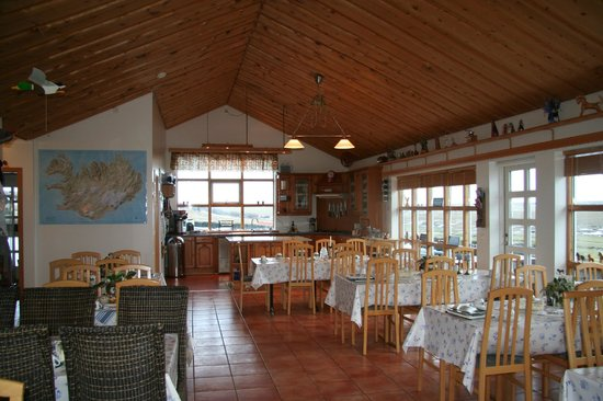 Guesthouse at Hestheimar: Dining room and open restaurant in the main building
