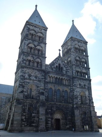 Lund Cathedral: Cathedral entrance
