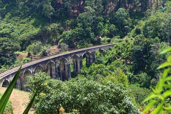 Ella, Sri Lanka: The bridge from the road
