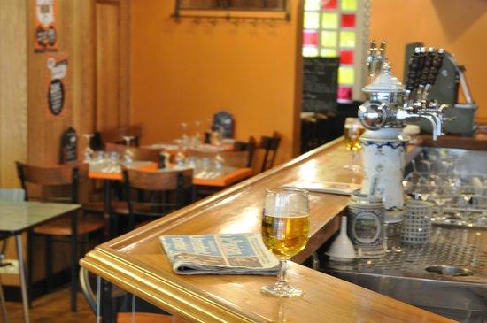 Chez Louis: au bar
