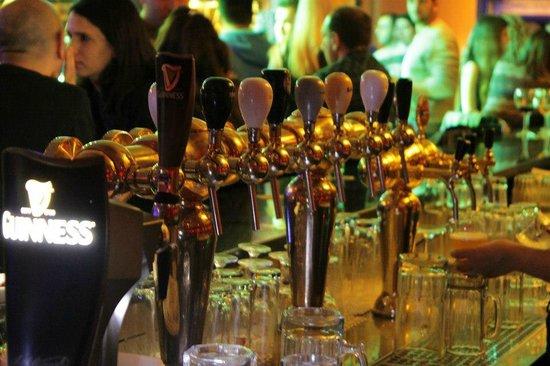 Three Monkeys Pub : large veraiety of draft beer