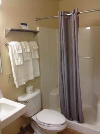 Crossland Economy Studios - Salem - North: bathroom