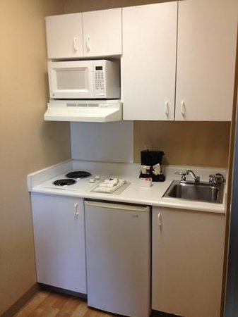 Crossland Economy Studios - Salem - North: kitchenette
