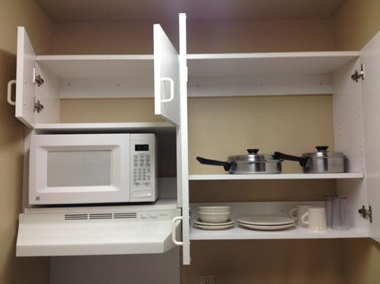 Crossland Economy Studios - Salem - North: kitchenette cupboards/dishes