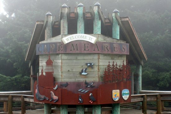 Cape Meares Lighthouse and Wildlife Refuge: Welcome Kiosk