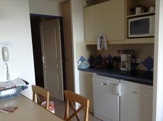 Apartamentos Pierre & Vacances Le Phare de Trescadec: coin cuisine appt 311