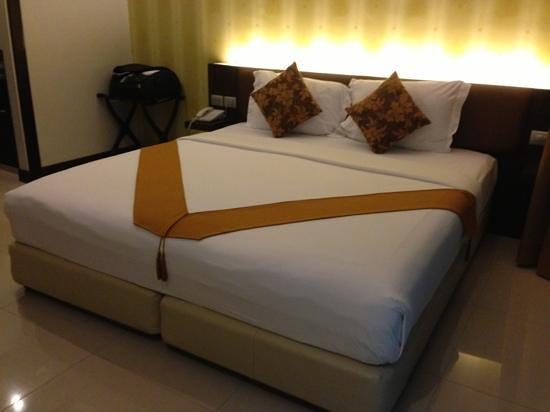 Must Sea Hotel: เพิ่มคำอธิบาย