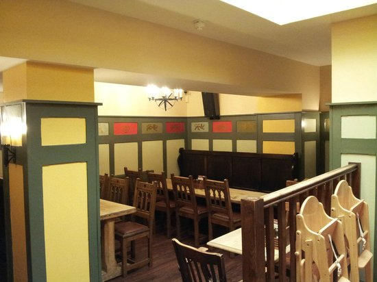 The King's Head : Newly decorated 'restaurant' area at the rear of the pub