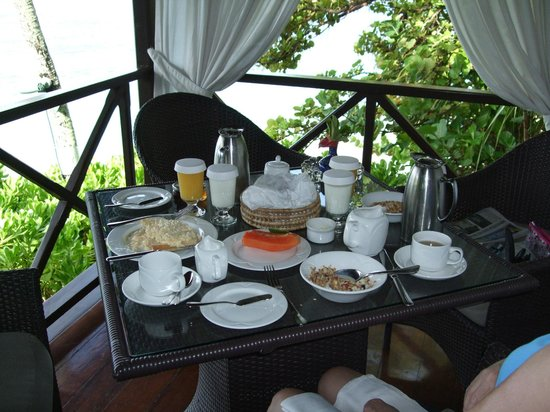 The Sandpiper: breakfast on our balcony