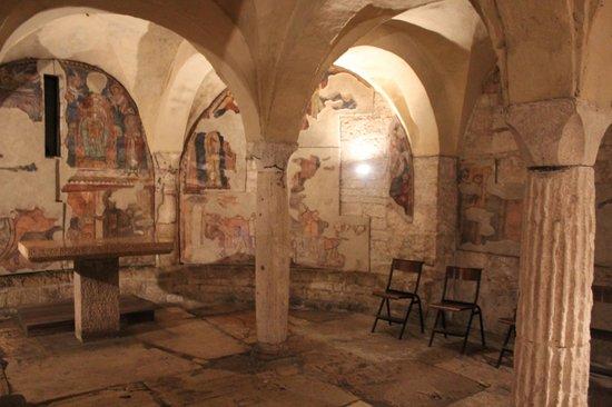 Chiesa Di Sant'ansano E Cripta Di Sant'isacco: cripta di sant'isacco
