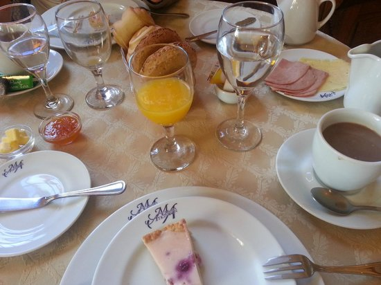 Hotel Manoir Atkinson: Petite boutique breakfast