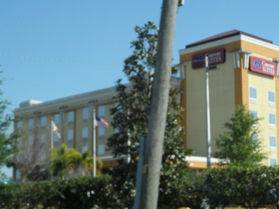 Comfort Suites Orlando Airport: The Hotel