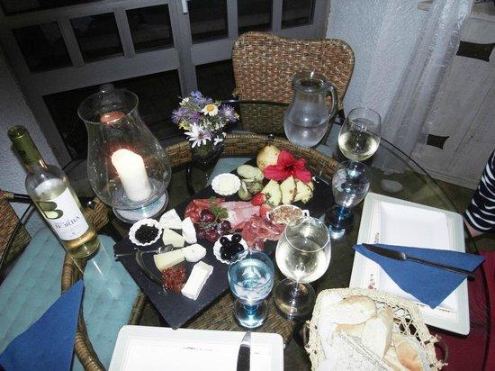 Winniehill Bed & Breakfast : petit dîner d'accueil...sympa après un long voyage en avion.