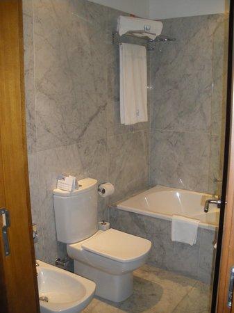 Eurostars Das Artes Hotel : Bathroom