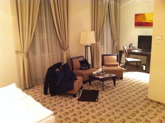 Buda Castle Fashion Hotel: Rooms are very spacious.