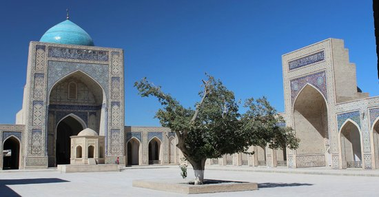 Great Minaret of the Kalon: Buchara: Kalon-Moschee (Innenhof)