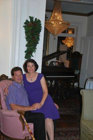 Justine Inn Savannah: Gorgeous Living Room