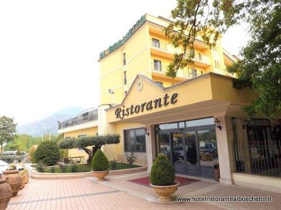Hotel Ristorante Al Boschetto: Entrata esterna Ristorante