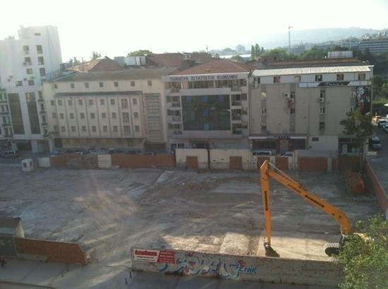 DoubleTree by Hilton Izmir - Alsancak: view from window
