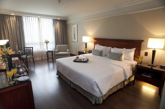 Regal Pacific Hotel Buenos Aires: Executive floor King, piso de madera