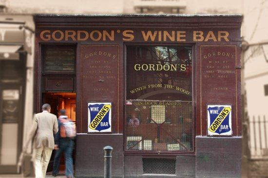 Gordon's Wine Bar: Gordon's on Villiers St.