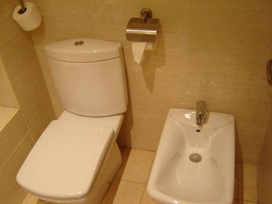 Hotel Saylu: Baño habitación doble