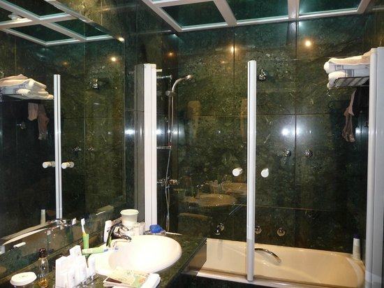 Hotel Atlantico: Salle de bain