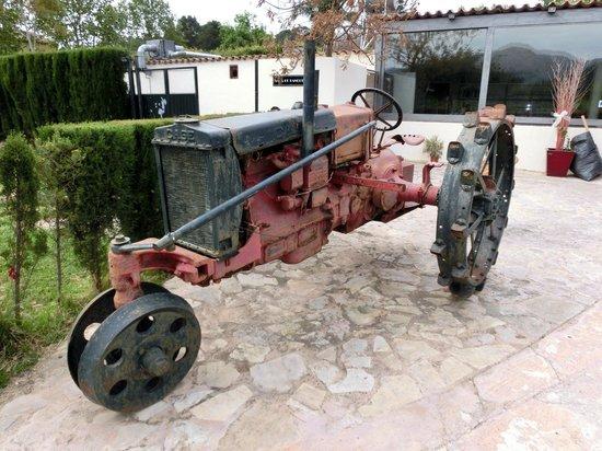 Parc de Canet: Museo - altes Gerät  beim Minigolfplatz