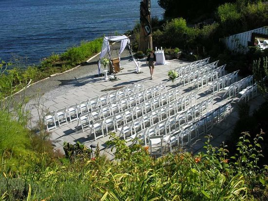 Sooke Harbour House Resort Hotel: Amazing Beachfront Weddings