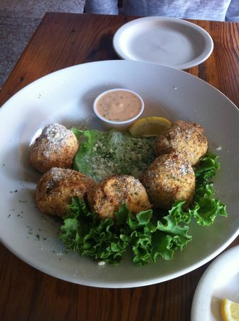 Black Pearl Oyster Bar and Grille: Boudin balls