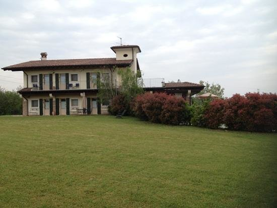 Garda Country House: vista dal davanti
